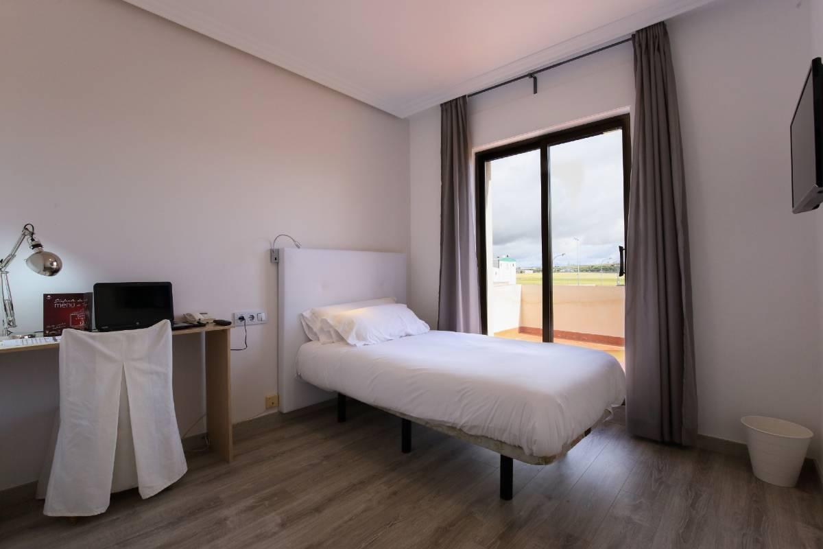 hospedium-hotel-castilla-habitacion-individual-superior-terraza