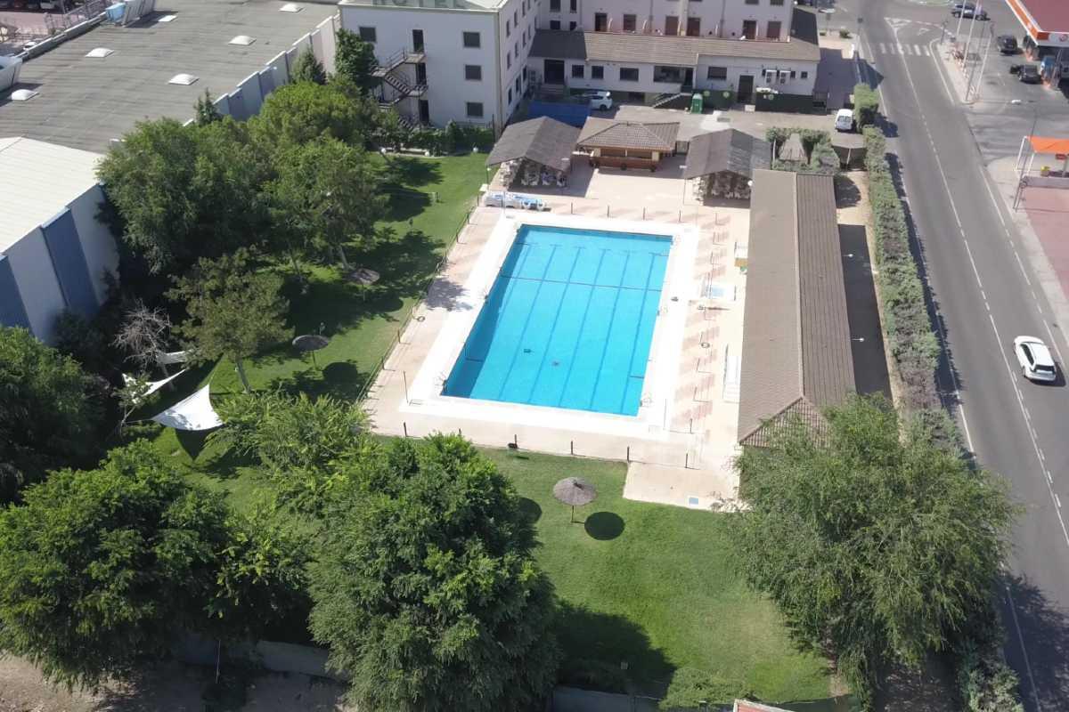 hospedium-hotel-castilla-piscina-aerea-1