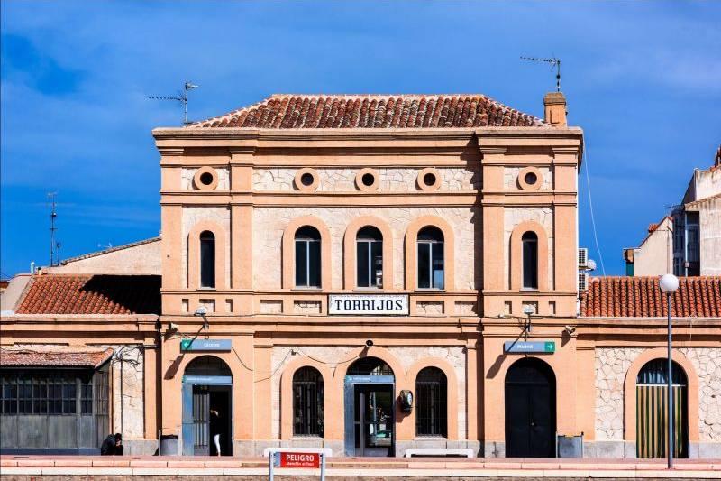 hotel-castilla-torrijos-estacion-ferrocarril